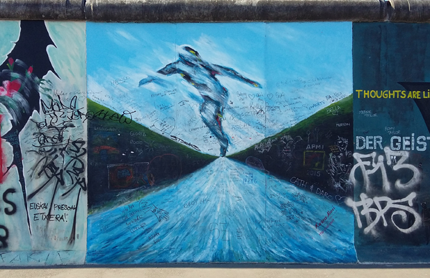 Silver Surfer Berlin East Side Gallery