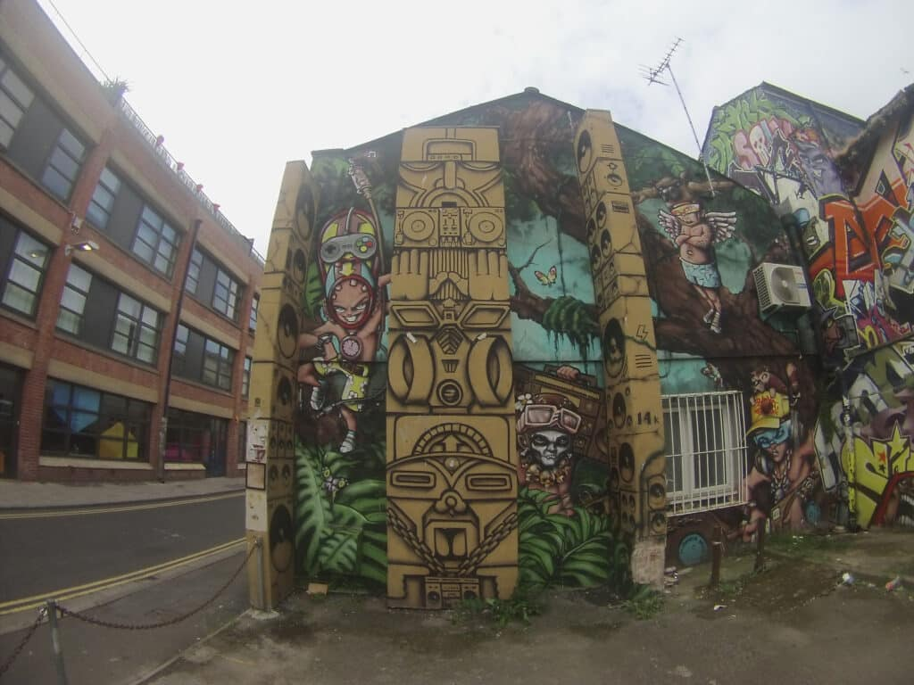 Totem Pole Graffiti In Brighton Lanes